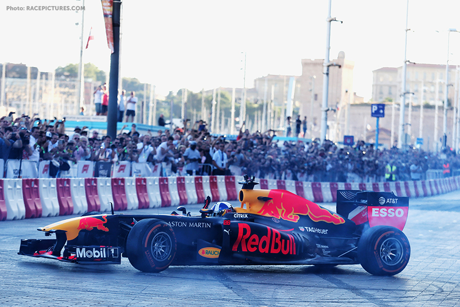 Formula One World Championship 2018, Round 8, French Grand Prix, Le Catellet, France, Friday 22 June 2018 - David Coulthard (GBR) Red Bull Racing - Fan Festival Marseille.