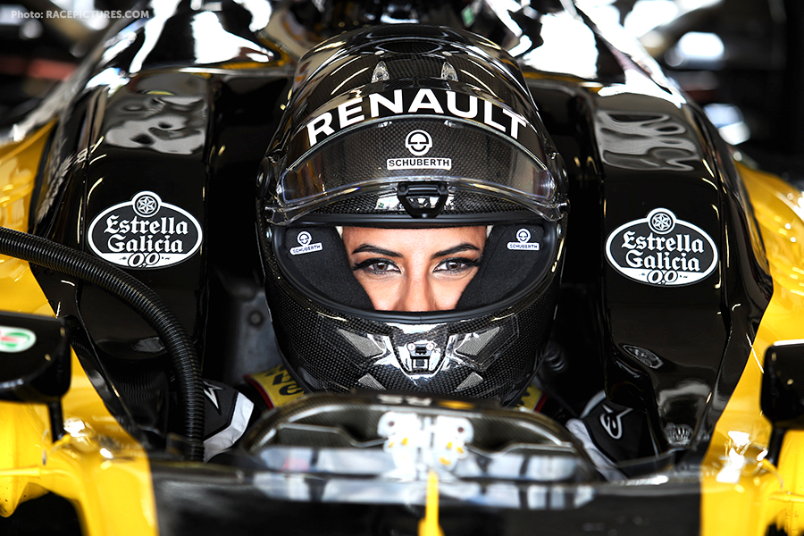 Aseel Al Hama (KSA) Board Member of Saudi Arabian Motor Federation in the Renault E20.