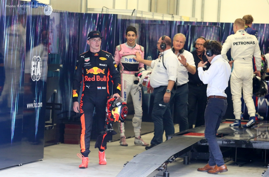 Formula One World Championship 2018, Round 20, Brazilian Grand Prix, Sao Paulo, Brazil, Sunday 11 November 2018 - Max Verstappen (NLD) Red Bull Racing and Esteban Ocon (FRA) Force India F1
