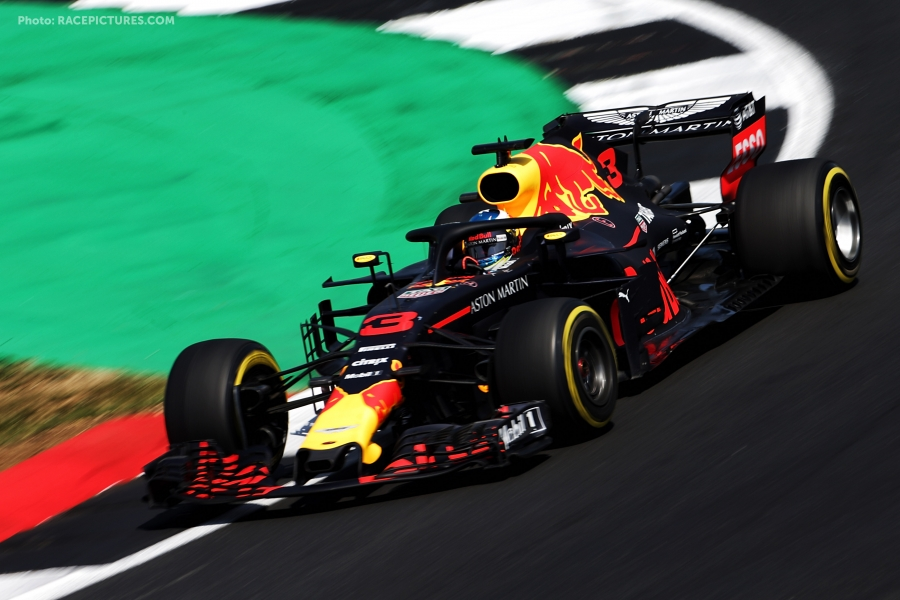 Daniel Ricciardo (AUS) Red Bull Racing RB14.